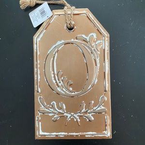 """Decorative """"O"""" metal sign from Michaels"""